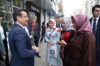 YAŞAR KEMAL - Başkan Atilla Kadınlara Karanfil Ve Hediye Dağıttı