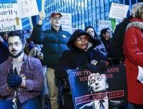 KADIN POLİS - Chicago'da çifte Trump protestosu