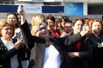 BALCı - Kadınlar Anıta Çelenk Sundu