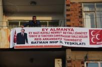 MHP'li başkandan Cumhurbaşkanına pankartlı destek