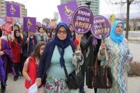 KADIN İŞÇİ - Nilüfer'de Kadınlardan Sessiz Yürüyüş