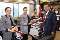 ÇALIŞAN KADIN - Özyavuz'dan Kadınlara Karanfilli Kutlama