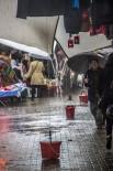 PAZARCI ESNAFI - Sağanak Yağış Pazarı Vurdu