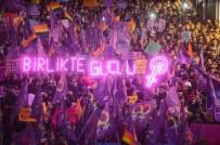 FEMINIST - Taksim'de 'Feminist Gece Yürüyüşü' Düzenlendi