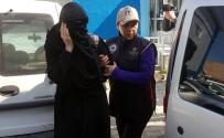 GENÇ KADIN - Cezaevindeki Babasına Cep Telefonu Parçası Götüren Genç Kadına Adli Kontrol