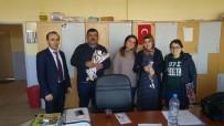Çıldır Belediyesi Kadınlara Gül Dağıttı