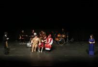 PAMUKKALE ÜNIVERSITESI - Denizli Büyükşehir Tiyatrosu Kadınlar İçin Sahne Aldı