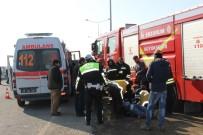 ALKOL MUAYENESİ - Erzurum'da Tır İle Otomobil Çarpıştı Açıklaması 5 Yaralı