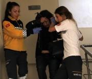 KADIN POLİS - Hamile Kadını Önce Gasp Ettiler Sonra Darp Edip Araçtan Attılar