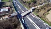 GÖRGÜ TANIĞI - İtalya'da Otoban Köprü Çöktü Açıklaması 2 Ölü