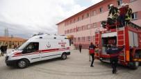 ALI ÖZDEMIR - Lisedeki Yangın, Deprem Ve Personel Tahliye Tatbikatı Gerçeğini Aratmadı