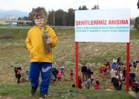 AYDıN DEVLET HASTANESI - Minik Eller Fidanları Şehitler İçin Toprakla Buluşturdu