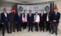 GENÇLİK VE SPOR İL MÜDÜRÜ - Şampiyon Sporculardan Başkan Atilla'ya Ziyaret