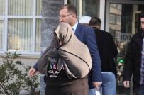 CÜZDAN - Samsun'da Cüzdan Hırsızlığı Zanlısı Kadın Yakalandı