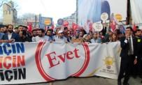 GALATASARAY LISESI - Bakan Kaya Gençlerle 'Evet' İçin Yürüdü
