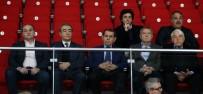 BILYONER - Dursun Özbek, Takımı Yalnız Bırakmadı