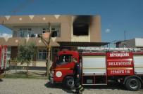 BOŞANMA DAVASI - Katil Zanlısı Mahalle Muhtarının Evi Yine Kundaklandı