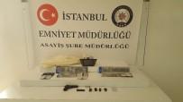 SAHTE POLİS - Kendine Polis Süsü Veren Gaspçı Son İşinde Yakalandı