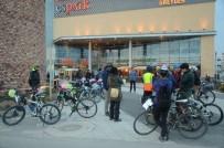 TEZAHÜRAT - Bisikletliler 'Trafikte Biz De Varız' Dedi