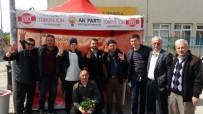 PAZAR ESNAFI - AK Parti Kepez'de Çiçek Dağıttı