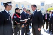 AHMET ALTIPARMAK - Bakan Zeybekci Polislerle Bir Araya Geldi