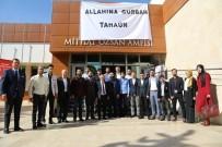 YÜREĞIR BELEDIYE BAŞKANı - Başkan Çelikcan Yazar Taha Ün'ü Gençlerle Buluşturdu