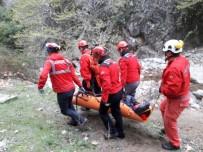 KARACAÖREN - Dağda Yürürken Yaralanan Kadının İmdadına AKUT Yetişti