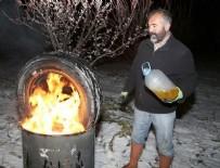 KAMYON LASTİĞİ - Doğu Anadolu'daki nisan karı çiftçiyi tedirgin etti