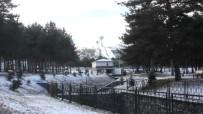 HAVA SICAKLIĞI - Erzurum'da Kar Ve Soğuk Etkili Oluyor