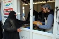 İrfan Yurdu Öğrencilerinden Suriyelilere Sıcak Yemek İkramı