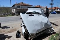 HASANLAR - Kütahya'da Tır İle Otomobil Çarpıştı Açıklaması 1 Yaralı