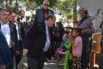 MUSTAFA SAVAŞ - Romanlar Gününde Başkan Özakcan'a Sevgi Seli