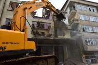 Altınordu'da Metruk Bina Yıkımı