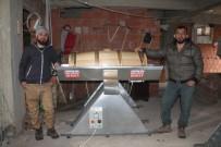 PATENT BAŞVURUSU - Amcası Eziyet Çekmesin Diye Makine Ürettiler, Şimdi Seri Üretime Geçtiler
