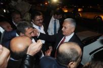KLASİK ARABA - Başbakan'a Havalimanında 'Evet' Sürprizi