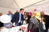 MUSTAFA DÜNDAR - 'Evet' Çadırını Ziyaret Eden Dündar Referandumu Anlattı