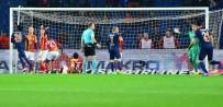 WESLEY SNEIJDER - Galatasaray'ın Yıldızlarının Çaresiz Kaldığı An