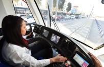 AZIZ KOCAOĞLU - Karşıyaka'da Tramvayı Seferleri Başladı