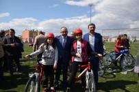 HÜSEYİN ÜZÜLMEZ - Kartepeli Çocuklar Bisikletlerine Kavuştu
