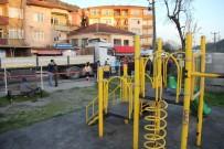 ALI ÇıNAR - Tırın Altında Kalan Çocuk Hayatını Kaybetti