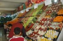 HALK PAZARI - Van'da Sebze Meyve Fiyatları Düşmüyor