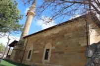CAMİ İMAMI - Asırlık Dut Ağacının Gölgesinde Asırlık Cami