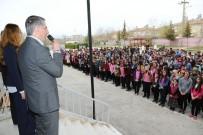 VOLEYBOL MAÇI - Başkan Yanılmaz Öğrencilerle Bir Araya Geldi