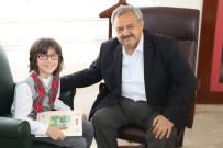 Burhaniyeli Öğrenci Başkan Uysal'dan Belediyecilik Öğrendi