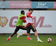 FLORYA METIN OKTAY TESISLERI - Galatasaray, Derbi Hazırlıklarına Başladı