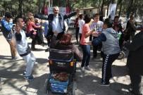 HALİL İBRAHİM ŞENOL - Gaziemir'de Engelli Vatandaşlar Piknikte Buluştu