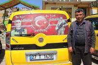 TAKSİ ŞOFÖRLERİ - Kahraman Şehitlerin Posterlerini Taksilerinde Taşıyorlar