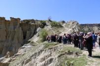 PERI BACALARı - Manisalı Kadınlar Kula'yı Gezdi