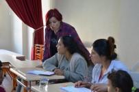 DIPLOMASı - Romanlar Okuma Yazma Öğreniyor