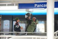BOMBA İHBARI - Trende Bomba İhbarı Açıklaması Yolcular Tahliye Edildi